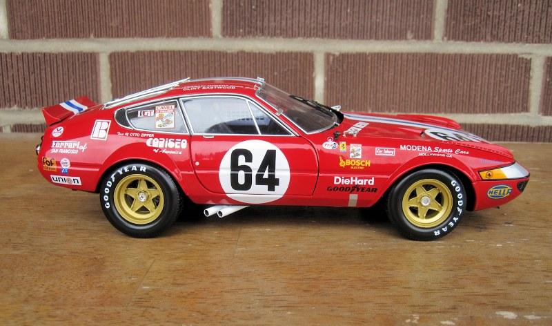 kyosho_Ferrari 365 GTB4_1977 Daytona5