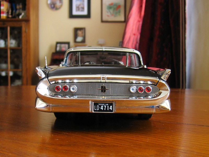 Sunstar 1958 Lincoln Continental17