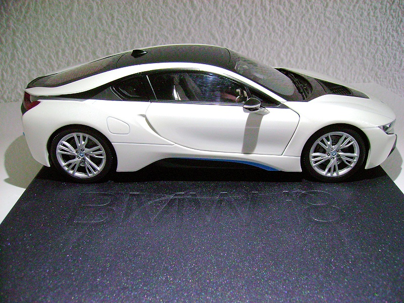 Review Paragon Bmw I8 Diecastsociety Com