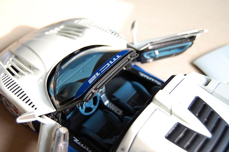 Maserati_MC12m