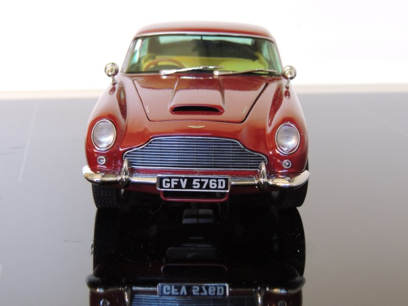 sunstar_Aston Martin DB5 (4)
