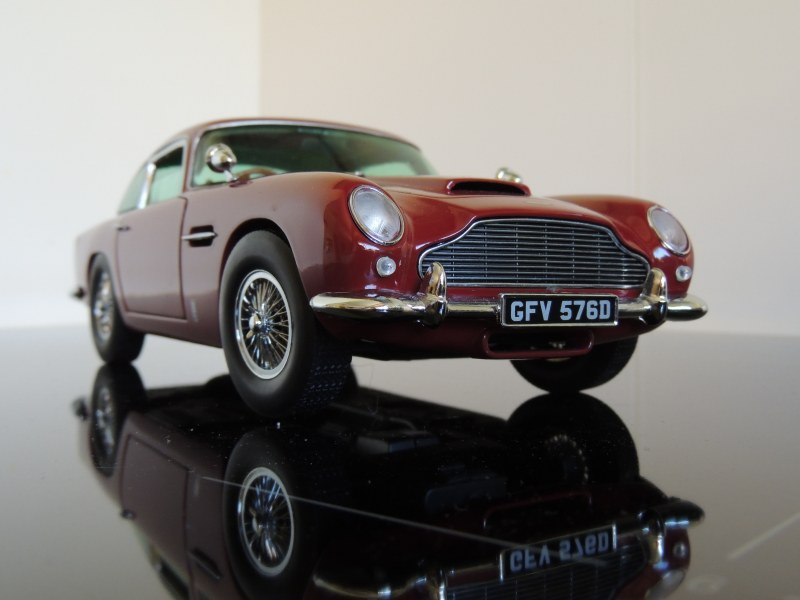 sunstar_Aston Martin DB5 (7)