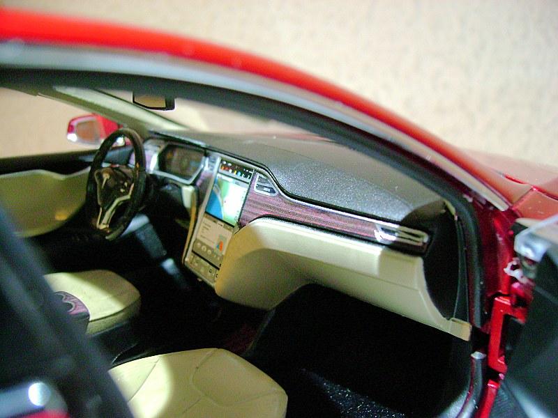 Tesla Model S14