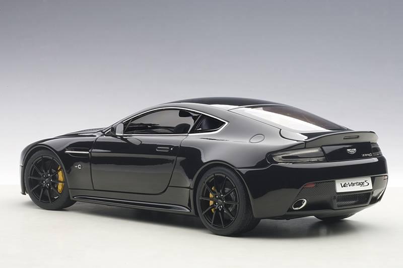 Aston Martin V12 Vantage S 2015 Black Autoart 1:18 AA70253