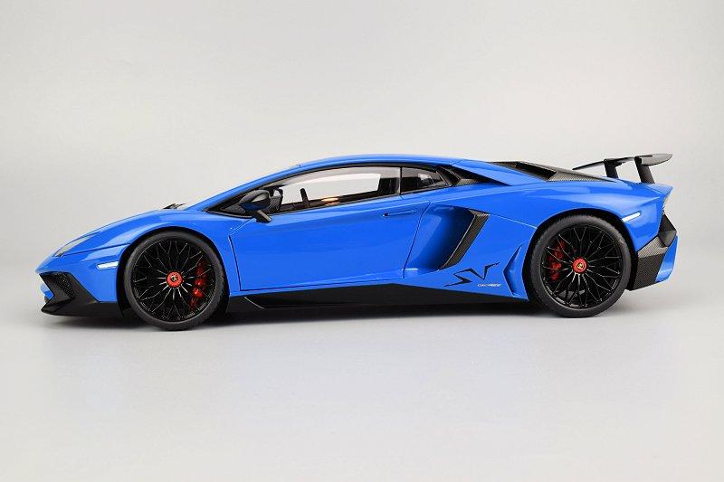 Review Autoart Lamborghini Aventador Lp750 4 Sv Diecastsociety Com