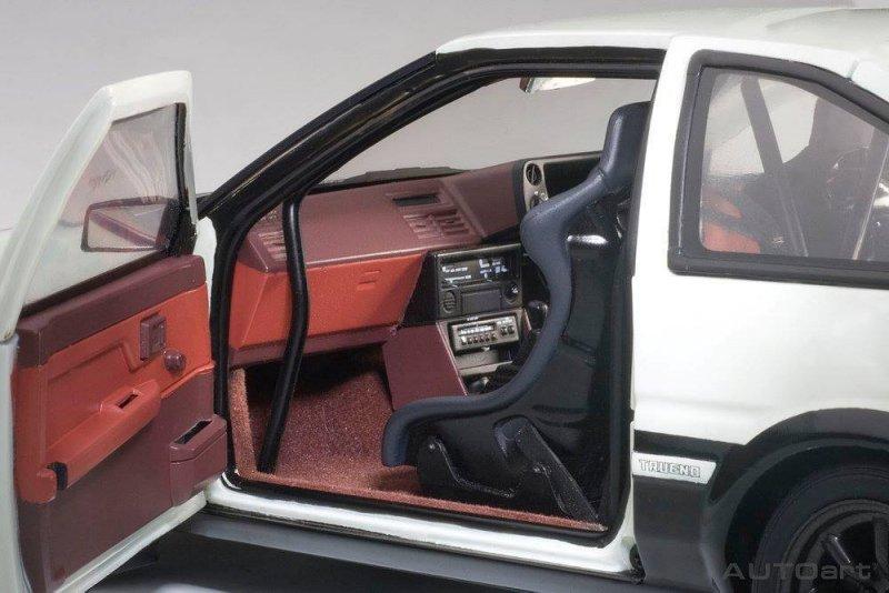 AUTOart Toyota Sprinter Trueno (AE86)
