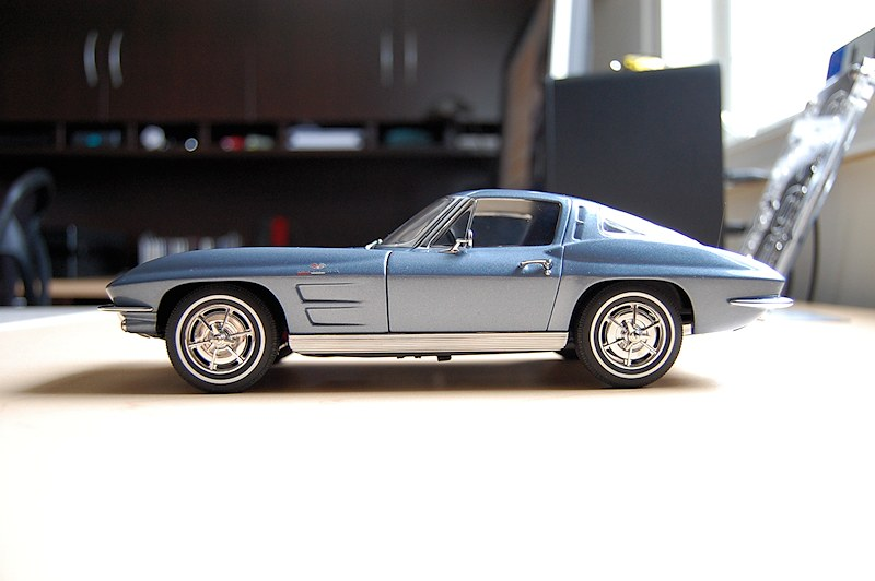 REVIEW AUTOart Corvette Stingray Coupe 1963