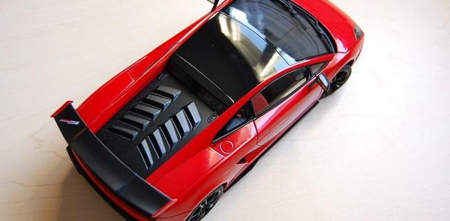 Review Autoart Lamborghini Gallardo Lp570 4 Sts Diecastsociety Com