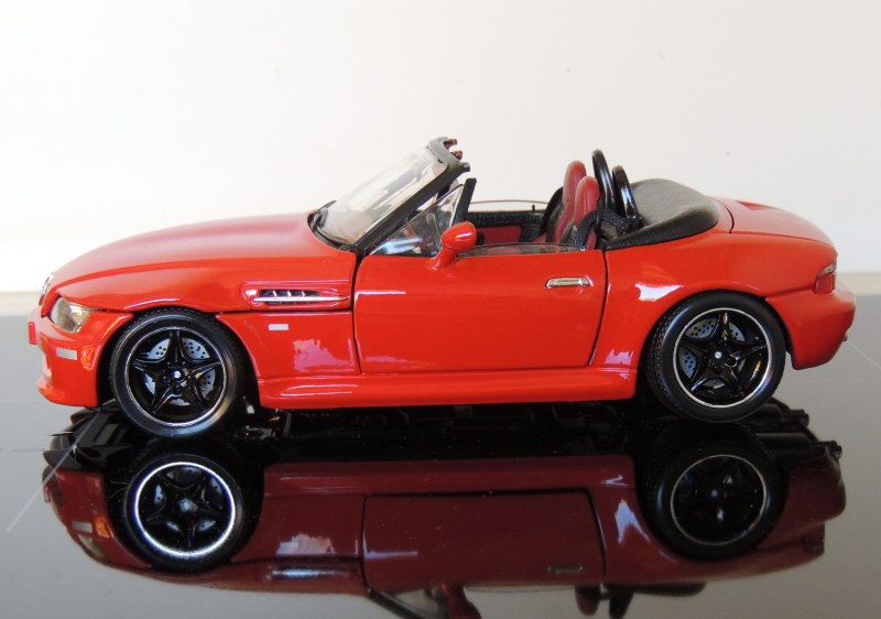 Review Bburago 1996 Bmw Z3m Roadster Diecastsociety Com