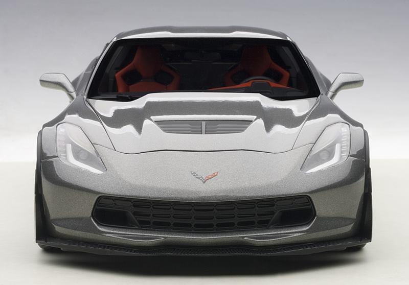 Autoart New Chevrolet Corvette C7 Z06 Dark Silver