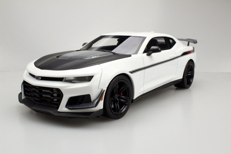 Ls Collectibles Zl1 1le Camaro Hennessey Diecastsociety Com