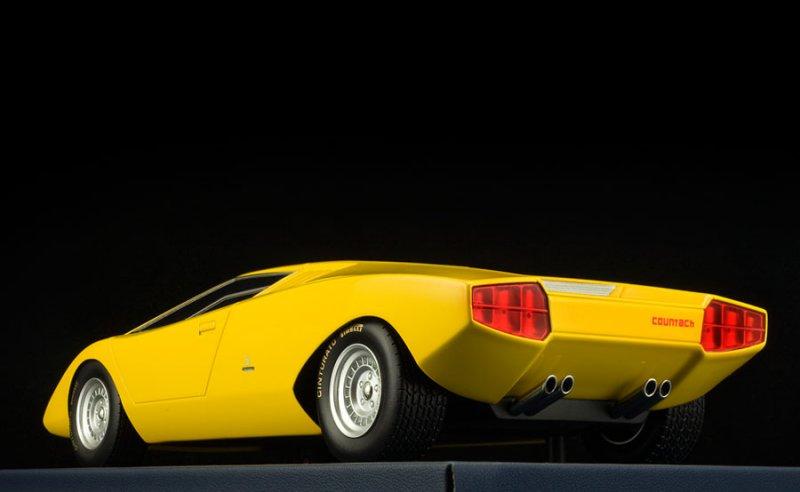 Founder Of Lambodiecast Com The Lamborghini Scale Car Collection
