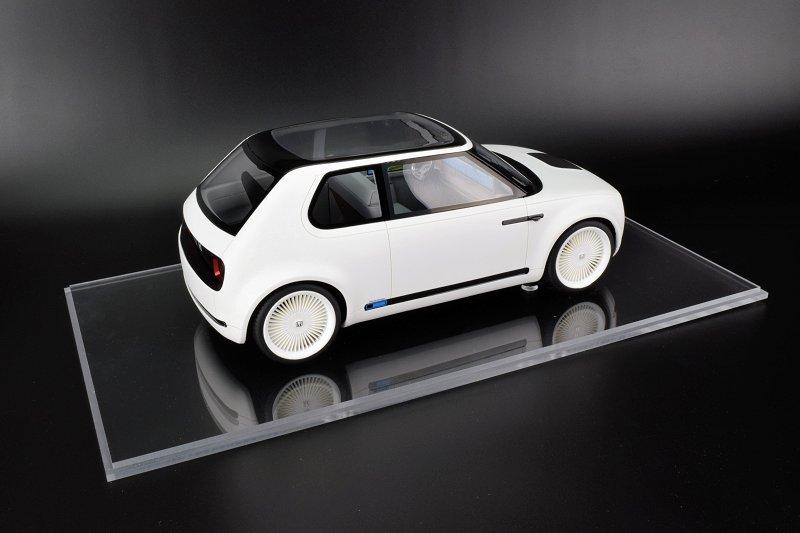 REVIEW: DNA Collectibles Honda Urban EV Concept