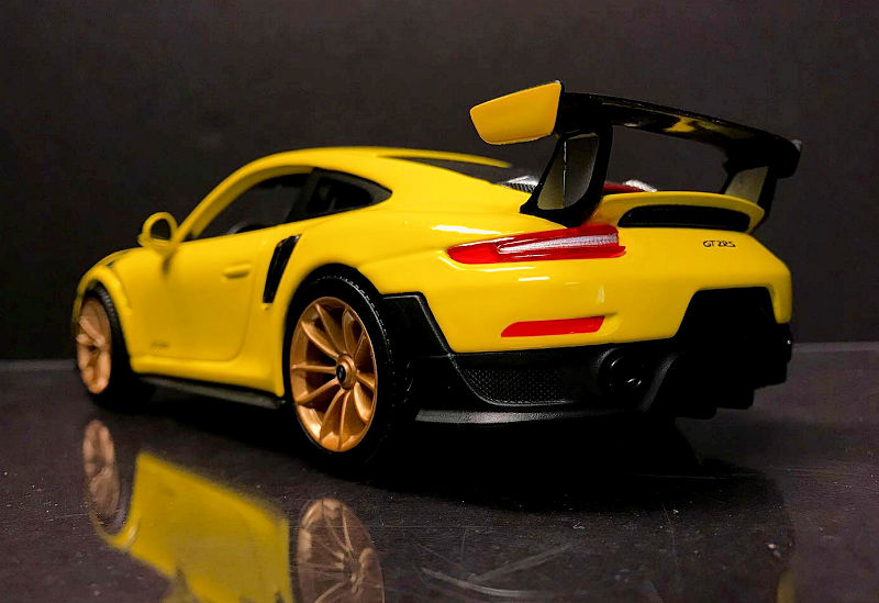 Maisto New Porsche 911 Gt2 Rs Diecastsociety Com