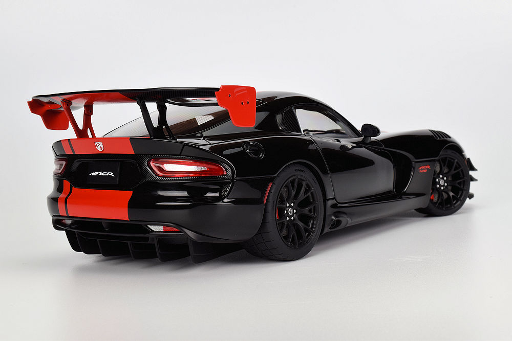 Review Autoart Dodge Viper 1 28 Edition Acr 2017 Diecastsociety Com