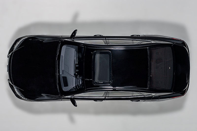 Lexus LS 500h Black with Black Interior 1//18 Model Car by Autoart 78868