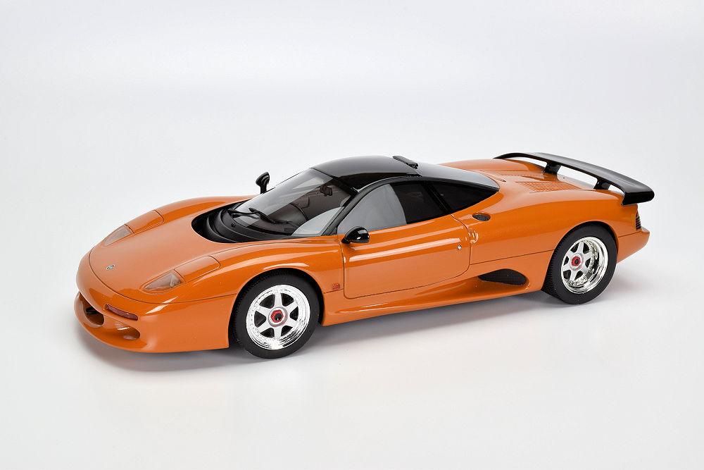 PHOTO GALLERY: Cult Scale Models Jaguar XJR-15 ...